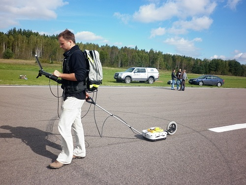 GPR test on airport